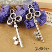 Charms 4 st - Nyckel Treudd 32mm