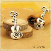 Charms 4 st - Liten Violin 21mm